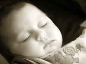 imagen de un niño durmiendo