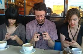 teléfono móvil e interacción social